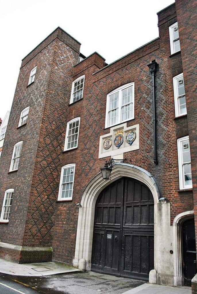 Photo of Gatehouse of Lincoln's Inn, by Elisa Rolle